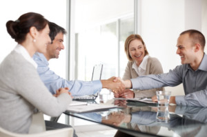 como-lidar-com-novos-colegas-de-trabalho-e-gestor
